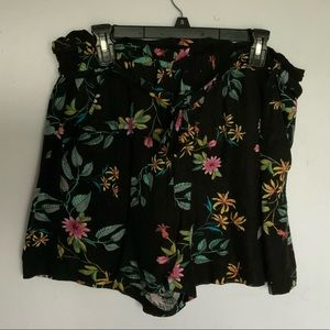 Paperbag waist shorts in black tropical floral